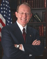 Lamar_Alexander_official_portrait