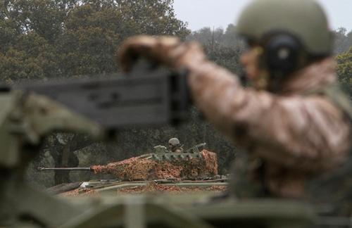 """Испанская механизированная пехотная бригада """"Эстремадура XI"""" во время учений"""