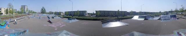 skatepark in Almere. Je vind het park aan de evenaar.