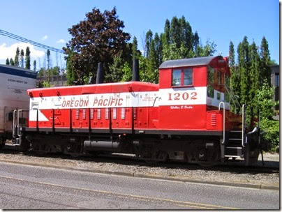IMG_6404 Oregon Pacific SW1200RSu #1202 in Milwaukie on August 28, 2010