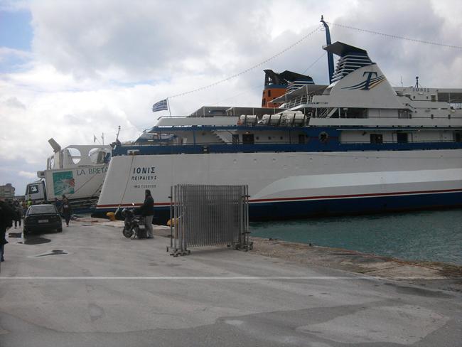 Έκτακτα δρομολόγια και από την Ionian Ferries