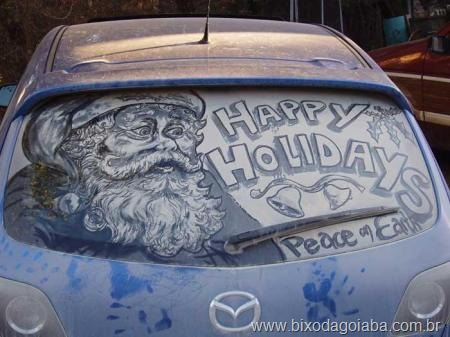 Desenhos em vidros de carros sujos 6