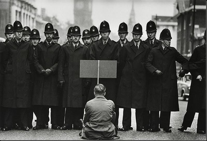 McCullin_cuban-missile-protestor-Britain, 1962