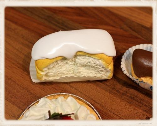 cream cakes 5