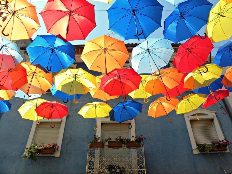 floating-umbrellas-6