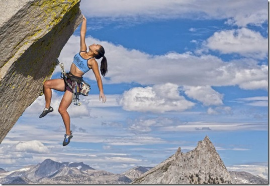 girls-rock-climbing-16