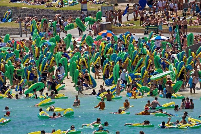 havaianas-boia-gigante-praia-6
