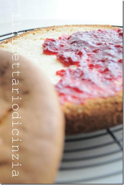 torta margherita + confettura ai lamponi + glassa leggera al lime