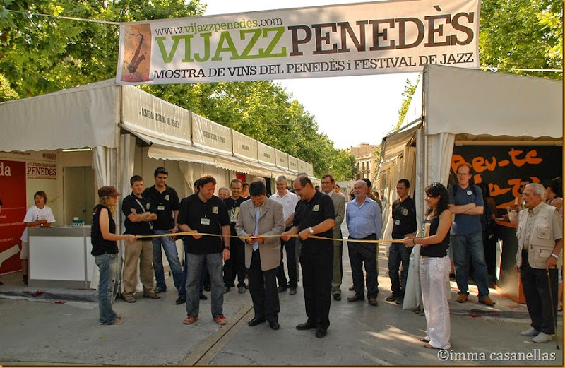 David Boada (Impulsor del Vijazz), Marcel Esteve (Alcalde de Vilafranca) i Joan Tarrada (President Tastavins) inaugurant la Fira del Vijazz, Rambla Sant Francesc 29-6-2007