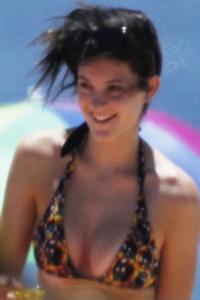 Kendall Jenner Beach on Kendall Kylie Jenner Beach 10 Jpg