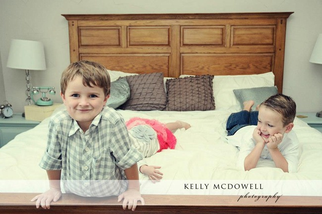 [silly6%255B6%255D.jpg&description=Wardrobe Wednesday: The {Real} Family Photo Shoot')]