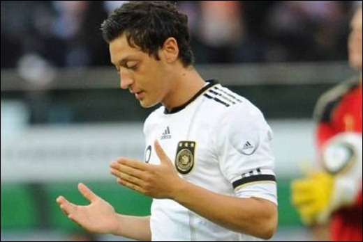 mesut-ozil
