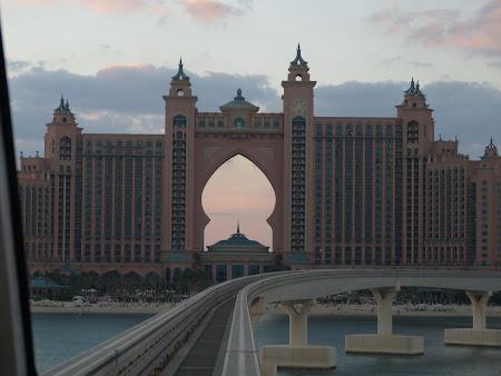 Obiective turistice Dubai: Hotel Atlantis