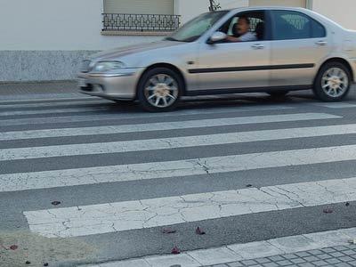 #Parla, la ciudad sin ley - coche paso peatones