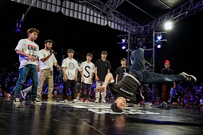 Japanese B-Boy Issei and the other guys dance during Wicket's and Y-Not's performance before the final at Red Bull BC One Asia Pacific Final, at Kushida Shrine, in Fukuoka, Japan, on October 12, 2013. // Nika Kramer/Red Bull Content Pool // P-20131012-00065 // Usage for editorial use only // Please go to www.redbullcontentpool.com for further information. //