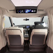 2013-Toyota-JPN-Taxi-concept-10.jpg