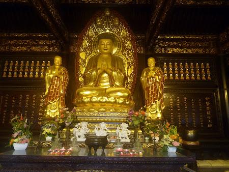 Templu budist China: statuia lui Buda in Xian