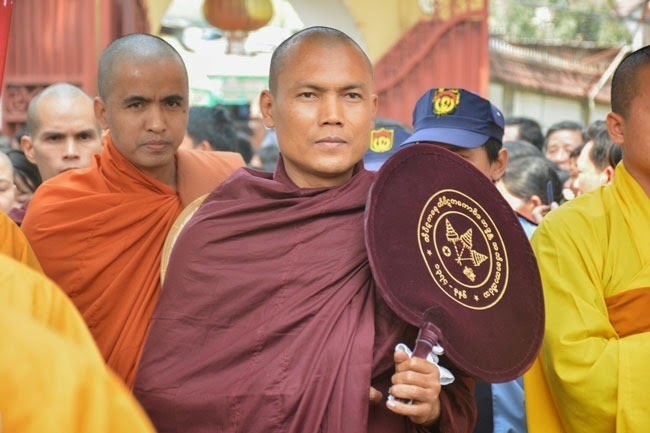 tam-tang-phap-su-thuyet-phap-chua-Hoang-Phap (3)