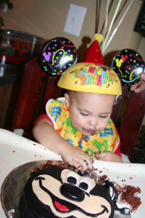 Slickpaw's Pics...Nash's 1st bday party 219