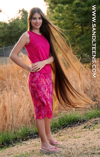 La Lana Model Long Hair