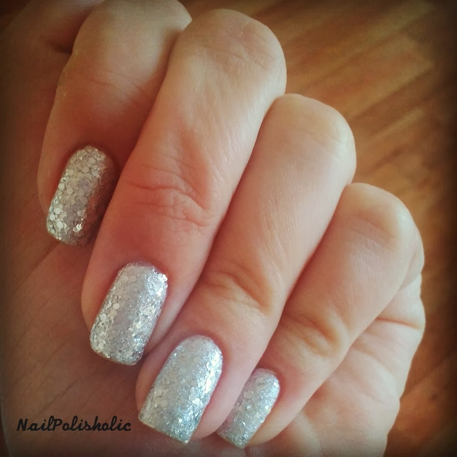 The Glitters Just Stay Like Glued To Your Nails I Used Cotton Pads Dipped In Nail Polish