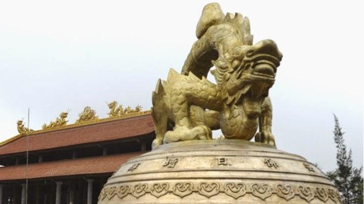 141211104249_vietnam_temple_640x360_hoangdinhnamafp_nocredit