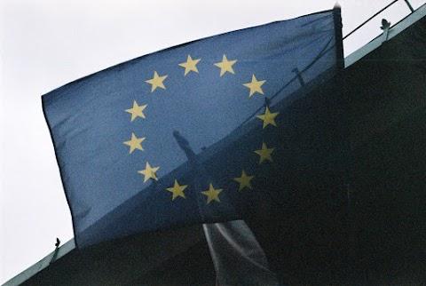 ... EU ...