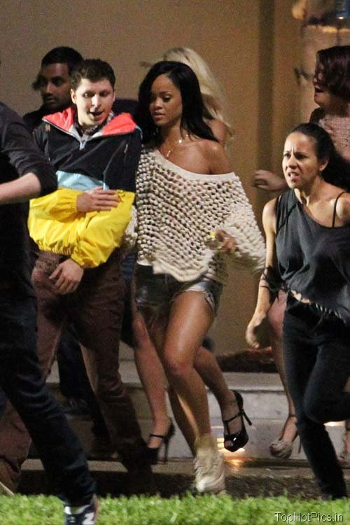Rihanna Latest Pics in Torn Short Jeans 5