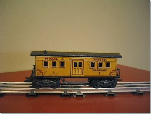 Marx 7-inch St. Paul & Pacific Baggage Car