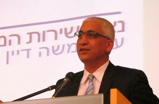advokat Moshe Dayan.jpg