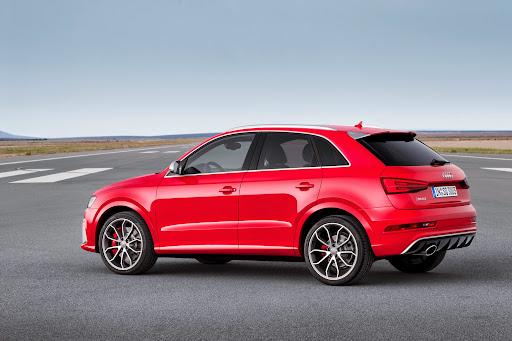 2015-Audi-RS-Q3-04.jpg