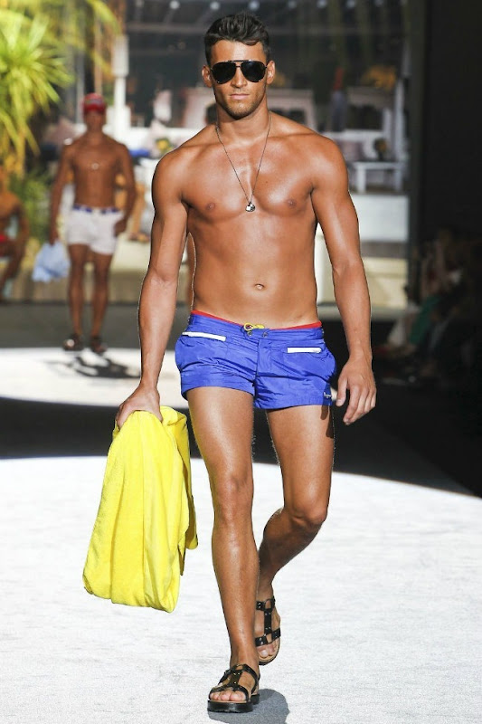 Milan Fashion Week Primavera 2012 - Dsquared² (26)