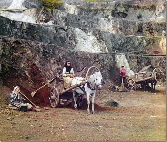 Work-at-the-Bakalskii-Mine-Pit-1910