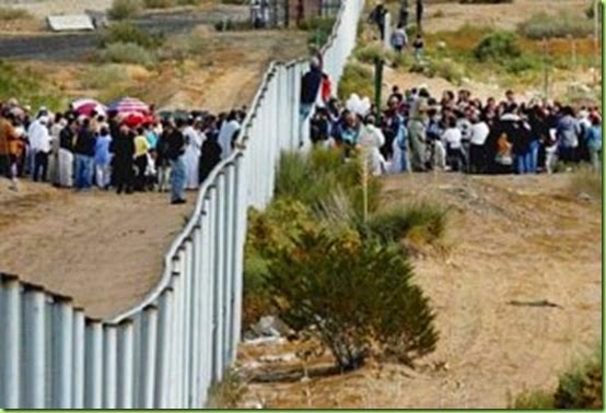 illegal_alien_border-300x204
