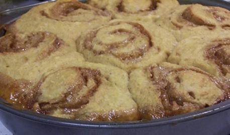 honey-caramel-sticky-buns 010