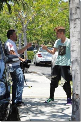 Justin Bieber agride fotografo-4