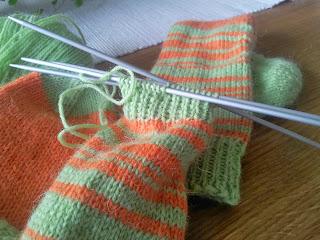 Pippisockor randigt sticka sockor