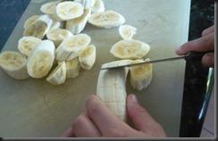 Preparando salada de banana - delícias Frugais