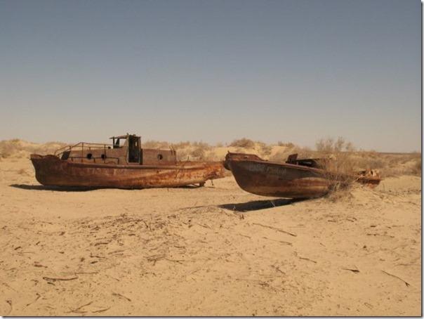 Navios abandonados de Mar de Aral (10)