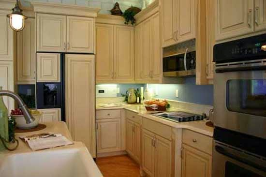 Cheap Kitchen Design Ideas By Repainting Kitchen Cabinet And Kitchen Wall Repainting Kitchen Cabinets