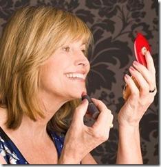 Truques-de-Maquiagem-Para-Amenizar-as-Rugas-ao-redor-dos-Lábios