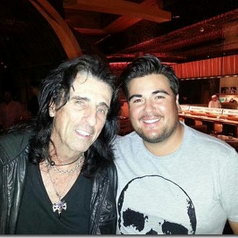 Alice Cooper Meets Swedish Man With More Frightening Eyeliner Than Him