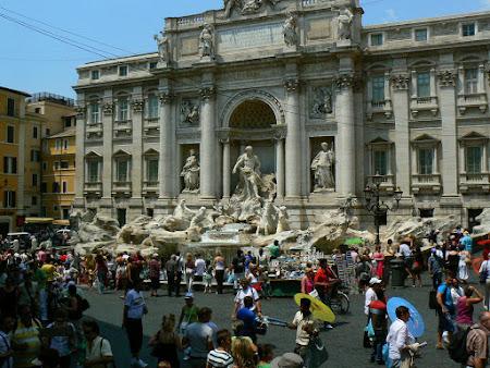 2. Fontana di Trevi Roma.JPG