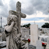 St_Roch_Cemetery_crying_statue.jpg