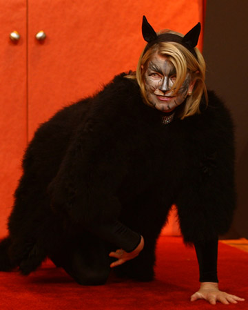 Martha wore a fabulous cat costume to the black-cat-themed Halloween show in Season 2 of 