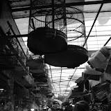 Shanghai - Pets market - Cages et allée