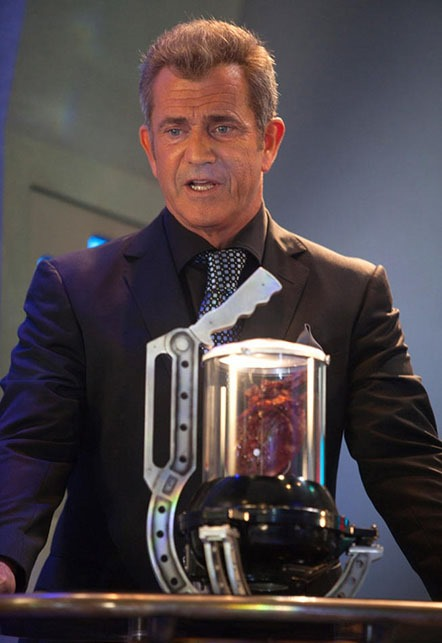 Mel Gibson Proves He Has a Heart in New Machete Kills Photos 01