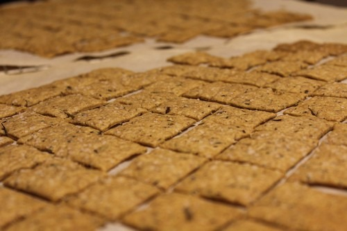 sourdough-whole-wheat-herb-crackers07