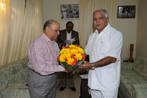 With Sri. K. Kasturirangan, Chairman, Karnataka Knowledge Commission