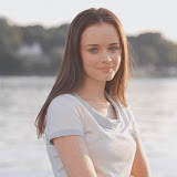 Alexis Bledel [from www.metacafe.com] #35.jpg